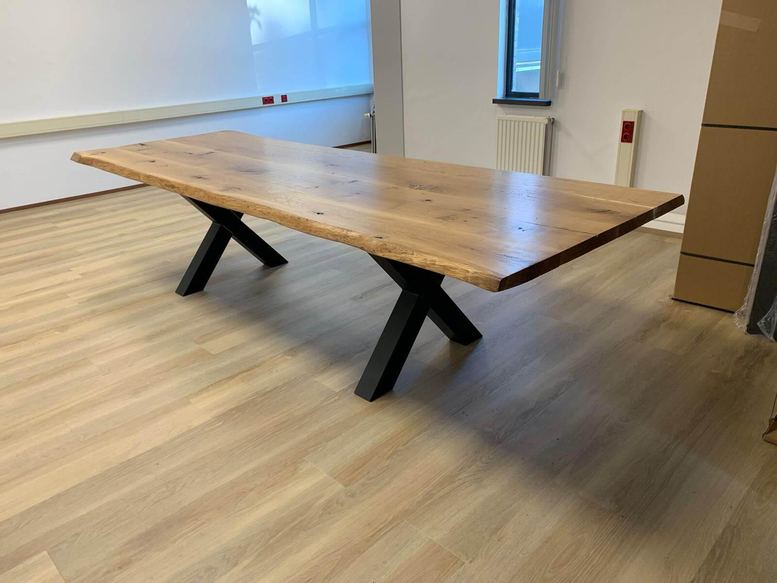 Eikenhouten vergadertafel 3.2 meter